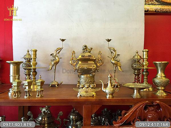Bộ đồ thờ bằng đồng mẫu đỉnh vuông dơi phúc cao 50cm