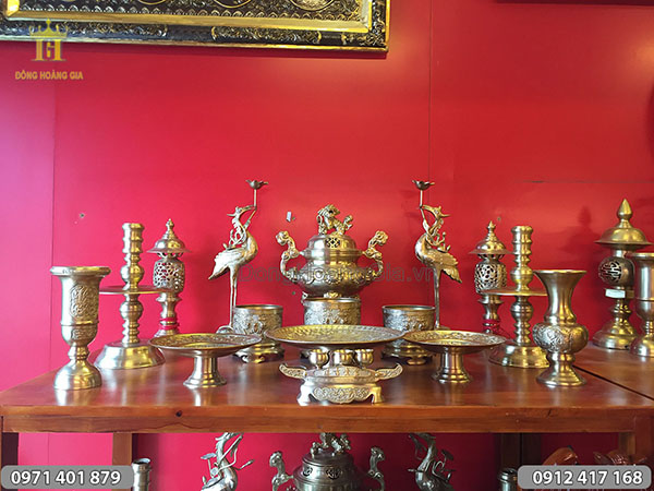 Bộ đồ thờ đồng vàng hoa sòi đầy đủ cao 42cm