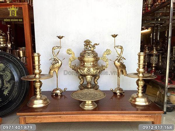 Bộ đồ thờ đồng vàng mẫu rồng nổi cao 60cm