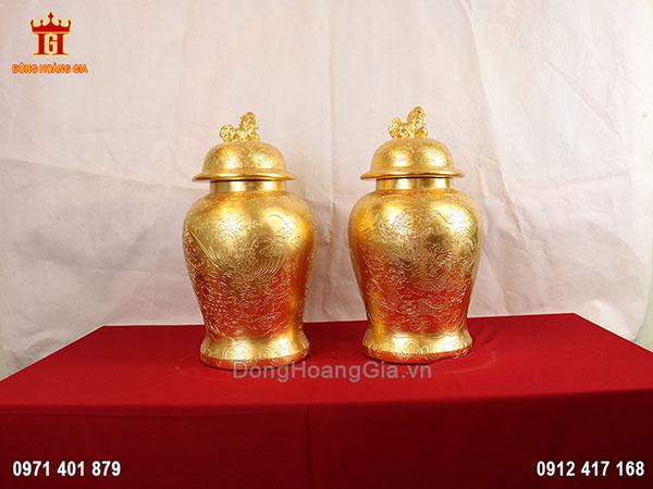Đôi chóe thờ bằng đồng dát vàng 9999