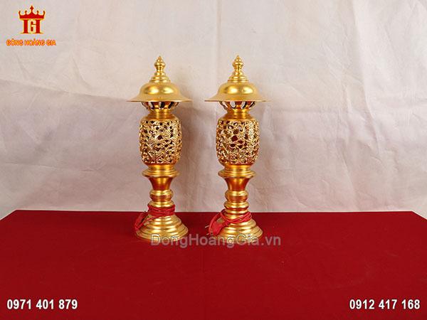 Đôi đèn thờ bằng đồng dát vàng 9999