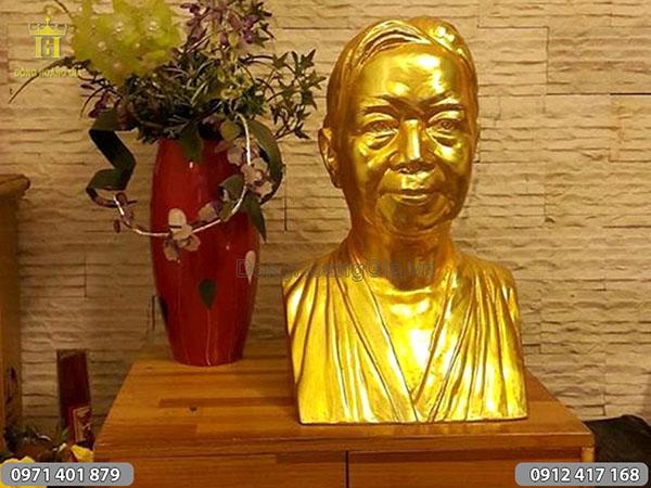 Đúc tượng đồng chân dung thếp vàng 9999