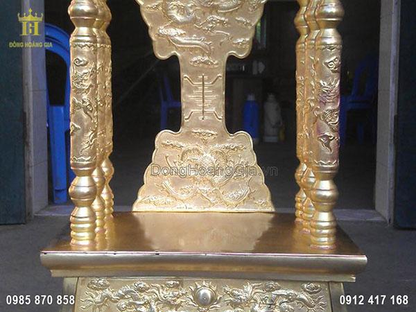Ngai thờ bằng đồng thân chữ vạn