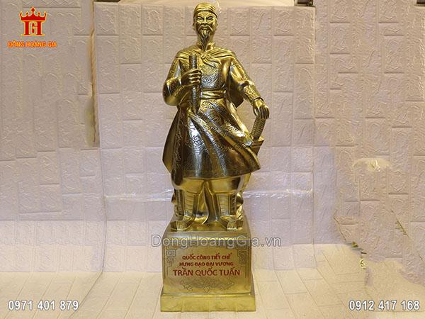 Tượng Hưng Đạo Đại Vương Trần Quốc Tuấn đồng vàng