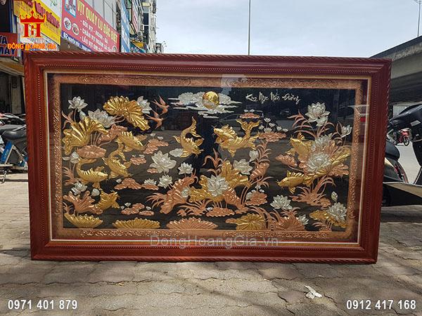 Tranh Đồng Cửu Ngư Hoa Sen Bằng Đồng Đỏ Mạ Vàng Mạ Bạc 2M3