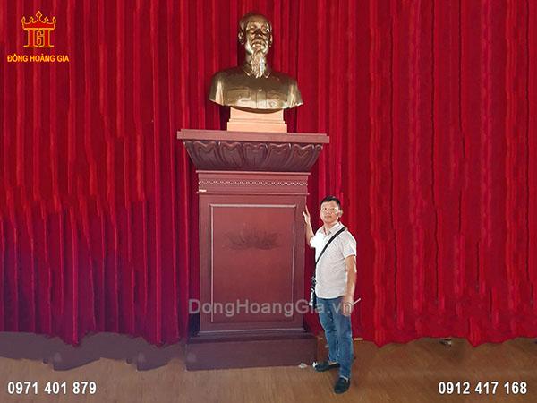 Lắp Đặt Tượng Bác Hồ Đồng Đỏ 1m1 Tại Công An Tỉnh Thanh Hóa
