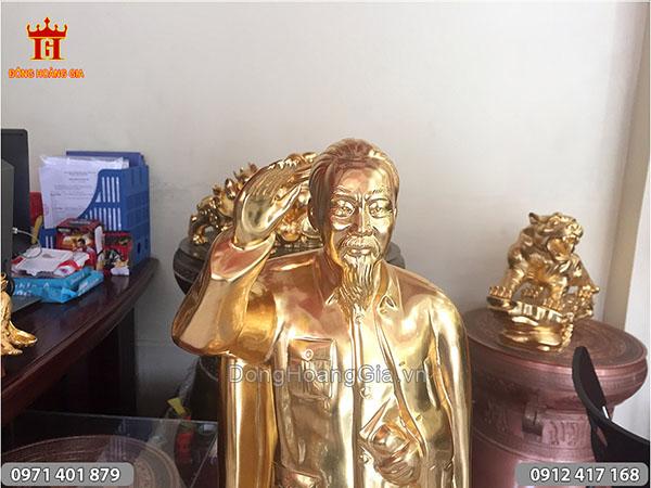 Tượng Bác Hồ đứng chào thếp vàng cao 60cm