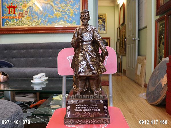 Tượng đồng Trần Quốc Tuấn khảm kĩ 50cm