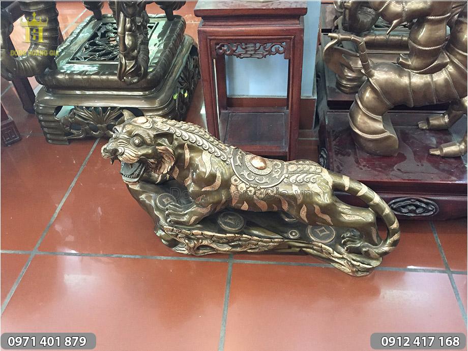 Tượng Hổ bằng đồng đỏ dài 60cm