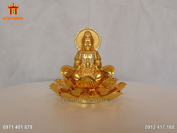Tượng Phật Bà Quan Âm ngồi trên đài hoa sen dát vàng 24K