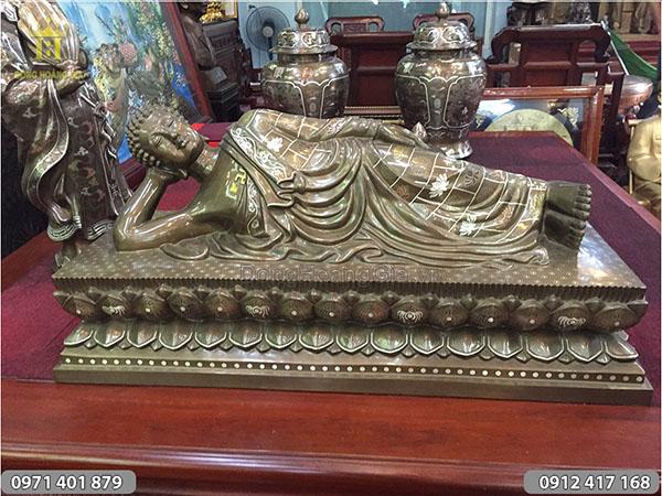 Tượng Phật bằng đồng Khảm Ngũ Sắc dáng nằm