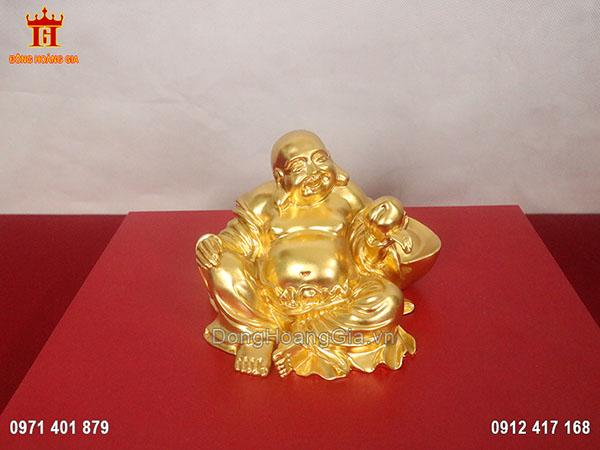 Tượng đồng Phật Di Lặc ngồi tay cầm trái đào dát vàng 24K