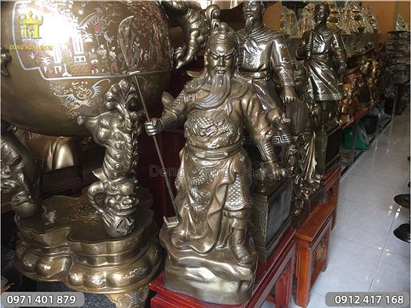 Tượng Quan Công  chống đao khảm tam khí 70cm