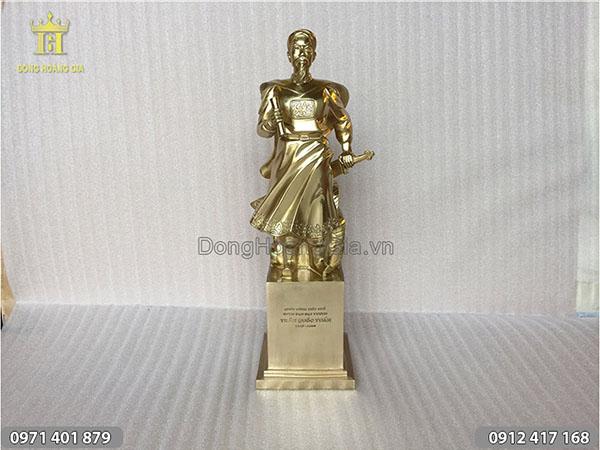 Tượng Trần Hưng Đạo bằng đồng vàng 50cm