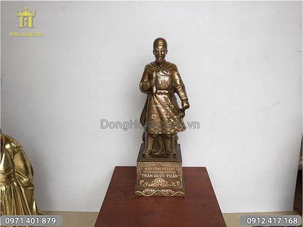 Tượng Trần Hưng Đạo khảm tam khí 70cm