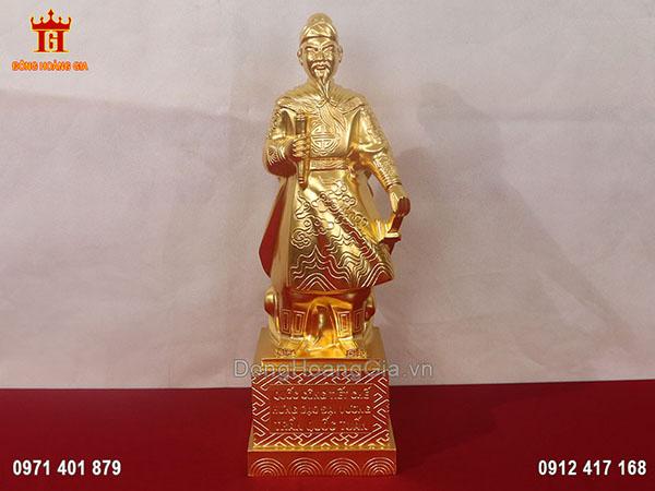 Bức tượng Trần Quốc Tuấn để bàn dát vàng 9999 cao cấp