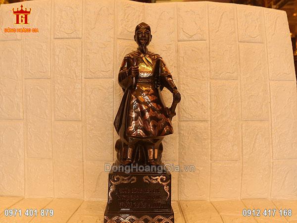 Pho tượng đồng Hưng Đạo Đại Vương Trần Quốc Tuấn